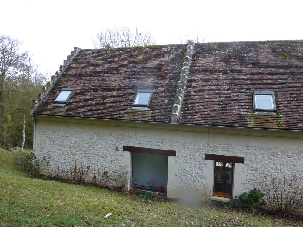 Couvreur Soissons : Tuiles Plates à Saint Pierre Aigle (Avant)